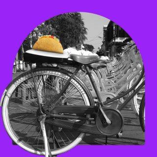 Crunchy Taco goes to Kota Tua! 🚲🚲🚲 #ISEEATACO everywhere, do you?  #WaktunyaTacoBell #TacoBellindonesia