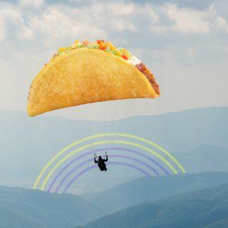 Lagi naik paralayang: 😨😭😨😭 Tiba-tiba keinget Crunchy Taco: 😲🌮🤳🏻📸😍  Liat benda berbentuk taco? Buruan snap & share ke IG story! Karena ada hadiah menarik buat lo.  For more info -> #iseeatacochallenge on Instagram Story highlight. 😜  #WaktunyaTacoBell #TacoBellIndonesia