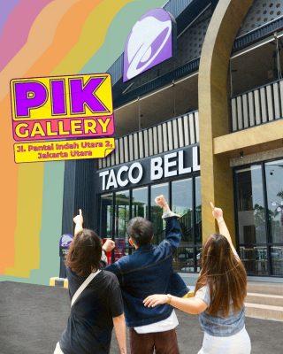 Ciye yang happy Taco Bell buka di PIK, semangat banget sih pengen cobain taco bareng. 🤗 Kalau foto-foto janlup tag @tacobellid ya, MinBell mau liat. Siapa tau direpost kan. 🤭  #WaktunyaTacoBell #TacoBellIndonesia