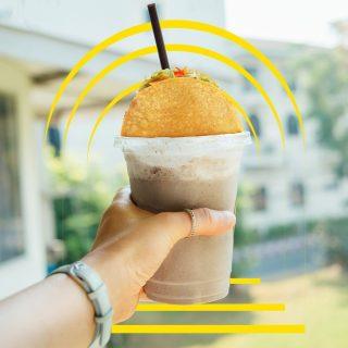 Foodgram of the day! 🥰 Apapun minumannya, makanannya tetap kebayang Crunchy Taco.  #ISEEATACO everywhere, how about you?  #WaktunyaTacoBell #TacoBellindonesia